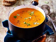 Unsere Suppen zum Abnehmen haben nur 200 Kalorien - schmecken aber himmlisch lecker. Ob mit Paprika, Rote Bete oder eine klassische Gemüsesuppe, mit unseren Rezepten fällt das Abnehmen leicht.