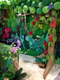 VBS 2015: Journey off the Map Reg booth details - Balloon tree canopy, paper mache tree trunk: