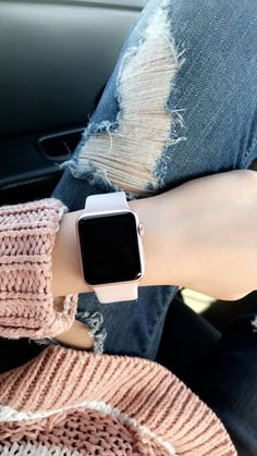 Apple Watch band rose gold pink - Applewatch - Ideas of Applewatch - Luxury apple watch band apple watch bling apple watch band bling glitter crystals diamonds apple watc Rose Gold Apple Watch, Rose Watch, Apple Watch 3, Apple Watch Iphone, Apple Watch Series 3, Bijoux Or Rose, Apple Watch Fashion, Mode Kawaii, Accessoires Iphone