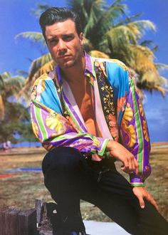 1993 vintage GIANNI VERSACE silk shirt Naples print size 50 Miami collection #GIANNIVERSACE #ButtonFront