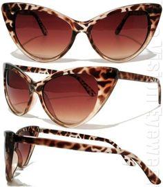 I adore these sunglasses! Ray Ban Sunglasses Outlet, Stylish Sunglasses, Retro Sunglasses, Oakley Sunglasses, Albert Jacquard, Pin Up Style, My Style, Cat Eye Glasses, Rockabilly Fashion