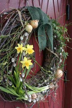Easter door wreath by 'Tradgardsflow' Beltane, Succulent Wreath, Spring Sign, Spring Door, Hello Spring, Happy Spring, Easter Wreaths, Summer Wreath, Door Wreaths