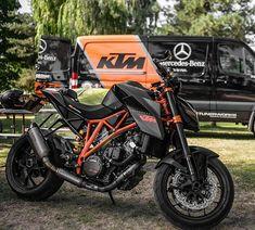 Kaif Motorcycle Dirt Bike, Dirt Bikes, Ktm Super Duke, Scooters, Motocross Girls, Ktm Motorcycles, Ktm Duke, Ducati Monster, Sportbikes