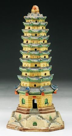 """A Chinese Antique Famille Verte Porcelain Tower Qing Dynasty; Size: H: 7-1/2"""""""