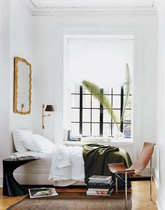 10 small bedroom decorating ideas from Domino. Explore stylish small bedroom decorating ideas to help you save space with furniture ideas, painting tricks and organization tips for the ultimate small bedroom design. Home Bedroom, Bedroom Furniture, Bedroom Decor, Arrange Furniture, Bedroom Ideas, Master Bedroom, Modern Bedroom, Minimal Bedroom, Bedroom Nook