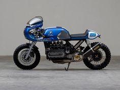 BMW K 100 RS cafe racer.ero indeciso se pubblicare questa moto , ma come al… Bmw Cafe Racer, Moto Cafe, Cafe Bike, Cafe Racer Build, Cafe Racer Motorcycle, Bmw Scrambler, Motos Bmw, Bmw Motorbikes, Bobber Custom