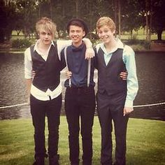 THIS IS SO FETUS EVEN ASHTON WASNT THERE