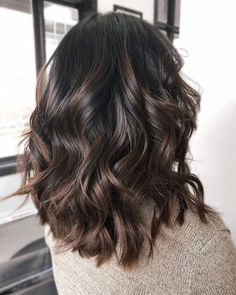 Shiny Chocolate Balayage Hair highlights 60 Chocolate Brown Hair Color Ideas for Brunettes Hair Color Balayage, Ombre Hair Color, Balayage Ombre, Hair Color Brown, Balayage Highlights, Color Highlights, Hair Color Ideas For Dark Hair, Light Brown Hair Colors, Brown Hair Inspo