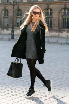Shea Marie usa look de frio com vestido, overcoat, meia fina e sneakers.