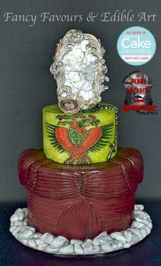 Bram Stoker's Dracula inspired alternative wedding cake - Penny Dreadful Cake Collaboration - Fancy Favours & Edible Art #cake #weddingcake #wedding #bramstoker #dracula #film #vampire #mirror #eikoishioka #francisfordcoppola