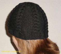 Aujourd'hui un petit tuto pour tricoter un bonnet à torsades. Je l'ai tricoté pour moi l'hiver dernier en quelques heures, un mercredi...