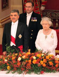 Queen Elizabeth II Photos - Queen Elizabeth II and Prince Philip, Duke of Edinburgh welcome President Abdullah Gul of Turkey and his wife Hayrunnisa Gul at a banquet held at Buckingham Palace. - The Queen Gives a Banquet Vintage Comic Books, Vintage Comics, Royal Tiaras, British Royal Families, Prince Philip, Happy Moments, Buckingham Palace, Queen Elizabeth Ii, British Royals