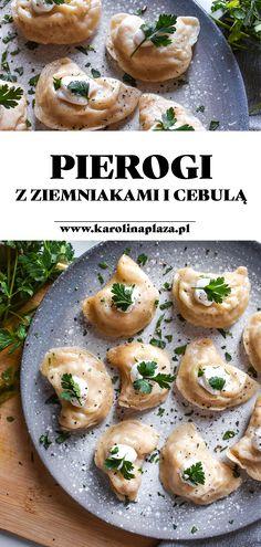 Pierogi z ziemniakami i cebulą - Karolina Plaza Pierogi, Baked Potato, Potatoes, Baking, Ethnic Recipes, Food, Patisserie, Potato, Bread