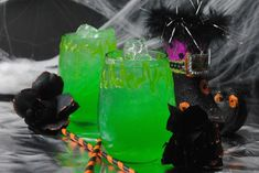 Witches Potion Cocktail Recipe With A Non-Alcoholic Option Tequila Mixed Drinks, Mixed Drinks Alcohol, Party Drinks Alcohol, Drinks Alcohol Recipes, Cocktail Recipes, Cocktails, Halloween Party Drinks, Halloween 2020, Fireball Recipes