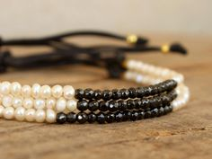 Bracelet with pearl and hematite beads, Elegant jewelry for bridesmaid, Black and white beaded bracelet, Adjustable beaded bracelet, by Amoreecolore on Etsy