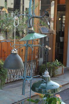 junk style, antiques, vintage, lamp