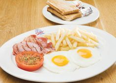 View Spur's breakfast menu so that you can start your day with a heaty Spur breakfast to get your day off & going. Breakfast Specials, Breakfast Menu, Breakfast Recipes, I Love Food, Good Food, Yummy Food, Bacon On The Grill, Forks And Spoons, Queen