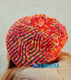 """Красивая и необычная женская шапка от Raina Kruus """"Сердца в голове"""""""