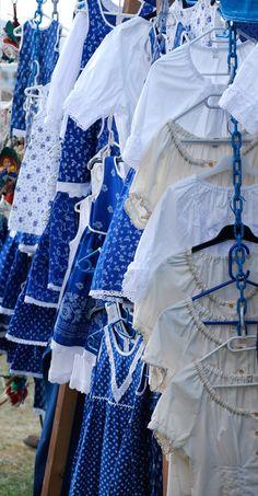 Hungarian traditional costumes photoblog.com/pimpi Art Costume, Folk Costume, Costumes, Popular Art, Arte Popular, Lady Sings The Blues, Heart Of Europe, Calming Colors, Folk Dance