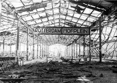 Centraal Station Rotterdam in 1964. Voor de Tweede Wereldoorlog had Rotterdam niet een centraal station, maar vier stations die in en rond het centrum gelegen waren en waarvandaan reizigers in verschillende richtingen reisden. Dit waren de stations Delftse Poort (richting Schiedam, Den Haag HS en Amsterdam CS), Beurs (richting Dordrecht), Maas (richting Gouda en Utrecht) en Hofplein (richtingen Den Haag HS/Scheveningen).Treinen uit de richting Utrecht eindigden van 1858 tot 1953 op station…
