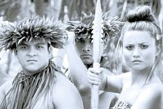 HAWAIIAN CULTURAL ACTIVITIES  The rich and fascinating culture of Hawaii and the Hawaiians are worth taking a closer look. You can read books, you can visit museums, but the chance to directly experience for yourself a taste of an earlier way of life for the Hawaiian people is something special.