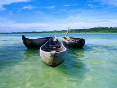 olivier-cirendini-pirogues-dugout-canoe-in-nosy-nato-a-small-island-joined-to-ile-sainte-marie-nosy-boraha.jpg (473×355)