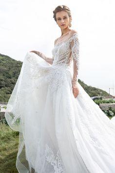Stunning Wedding Dresses, Dream Wedding Dresses, Designer Wedding Dresses, Wedding Gowns, Wedding Fabric, Tulle Wedding, Bridal Looks, Bridal Style, Cathedral Train