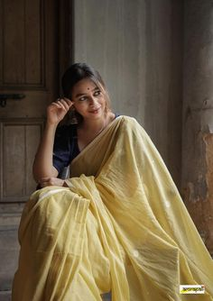 Yellow Blouse, Pastel Yellow, We Fall In Love, Just Don, Piece Of Clothing, Cotton Saree, Hand Weaving, Braids, Sari