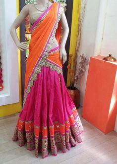 Don't like the blouse but like the design off the sari Half Saree Lehenga, Saree Gown, Bridal Lehenga Choli, Anarkali, Pink Lehenga, Half Saree Designs, Lehenga Designs, Saree Blouse Designs, Indian Dresses