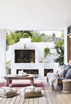 There's nothing better than relaxing in your own backyard with a chic outdoor fireplace, so we've pulled together 15 of the best ideas to inspire you. Outdoor Areas, Outdoor Rooms, Outdoor Living, Outdoor Furniture Sets, Outdoor Decor, Rustic Outdoor, Bisque Interiors, Parrilla Exterior, Balkon Design