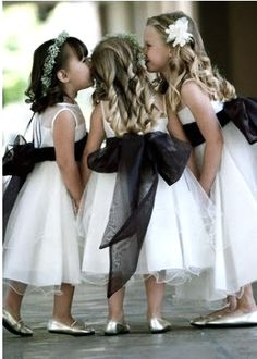 Do you like to have a glamorous wedding? Black and white wedding themes are always classic and glamorous. Wedding Pics, Wedding Bells, Dream Wedding, Wedding Ideas, Chapel Wedding, Wedding Colors, Bridesmaid Flowers, Bridesmaid Dresses, Wedding Dresses