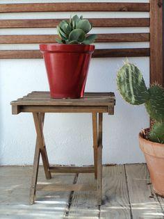 Mini mesa plegable de madera. Vintage. Luniqueblog.com