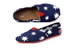 Toms shoes ,the most fashionable shoes.I like them very much