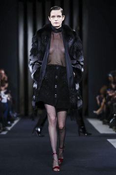 Great fur coat! - J.Mendel Ready To Wear Fall Winter 2015 New York