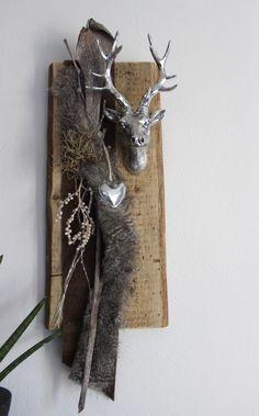 Aw04 u2013 wanddeko aus neuem holz dekoriert mit b nder for Hirschkopf aus holz