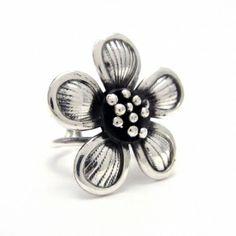 Silver rings, earrings, bracelets, necklaces and pendants. Silver Jewelry, Silver Rings, Daisy Ring, Pendants, Bracelets, Floral, Earrings, Beautiful, Bangle Bracelets