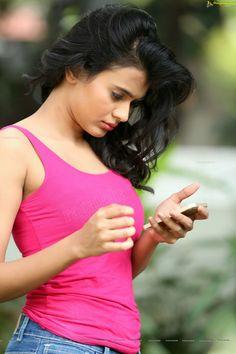 Hebah patel Indian Actress Hot Pics, South Indian Actress, Beautiful Indian Actress, Beautiful Actresses, Indian Actresses, Lovely Girl Image, Beautiful Girl Photo, Indian Girl Bikini, Indian Girls