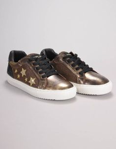 These American all-star sneakers from Replay have contrast fabric panelled uppers with sequin embroidered star design to the outside panel. Girls Coats, Bonfire Night, Fall Winter, Autumn, Winter Essentials, Star Designs, Replay, Front Row, All Star