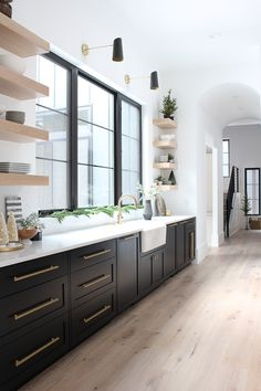 The House of Silver Lining: The Forest Modern Christmas Home Tour: The Kitchen # . # EsszimmerSchränke The House of Silver Lining: The Forest Modern Christmas Home Tour: The Kitchen # . - Neue Deko-I Home Decor Kitchen, Interior Design Kitchen, New Kitchen, Kitchen Ideas, Kitchen Designs, Kitchen Modern, Kitchen Furniture, Kitchen Hacks, One Wall Kitchen