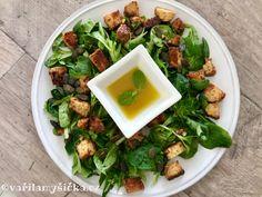 Polníček se používá stejně jako hlávkový salát, je ale bohatší na živiny. Vyniká množstvím vitaminů C a kyseliny listové. V kombinaci s výbornou zálivkou a opečeným tempehem rozhodně nadchne. Navíc vše za 5 minut hotovo...