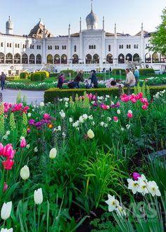Tivoli Gardens - Copenhagen (Denmark).  Full gallery on http://ift.tt/1OzZ7Ug