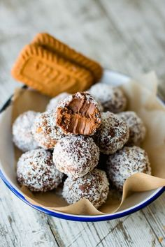 These chocolate Biscoff truffles are going to be your new favorite snack. They are fudgy and sweet, and are made with dark and white chocolate, then coated in coconut.