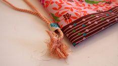 Jak ušít pytel na záda - fotonávod na www.notjustmom.cz Pendant Necklace, Sewing, Jewelry, Fashion, Scrappy Quilts, Jewellery Making, Moda, Couture, Sew