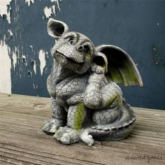 NEW Stone Effect Sitting Dragon Garden Ornament Guard Dog Style Statue Sculpture