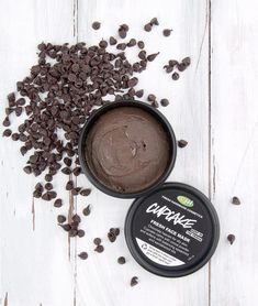 Spa night with Fresh Face Masks. CHocolate cupcake facemask...can you say AWESOME!! #FaceCareForOilySkin #BrownSpotsOnFace Homemade Face Masks, Diy Face Mask, Lush Face Masks, Facemask Homemade, Homemade Deodorant, Homemade Facials, Chocolate Face Mask, Chocolate Facial, Mint Chocolate