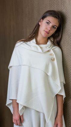 simonecuntz.de luxury knit cape handmade in Germany