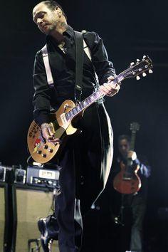 Mike Ness, the musical genius New Wave Music, Music Love, Good Music, Johnny Rotten, Johnny Depp, Mike Ness, Joey Ramone, Social Distortion, Joe Strummer