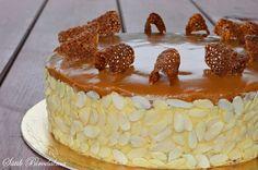 Újra elkészítettem ezt a finomságot, és egyre jobban és jobban beleszeretek ebbe az ízvilágba :D   Karamell rajongók figyelem! Ezt a... Hungarian Desserts, Hungarian Recipes, Cookie Recipes, Dessert Recipes, Cold Desserts, Cakes And More, Let Them Eat Cake, Cake Cookies, Sweet Recipes