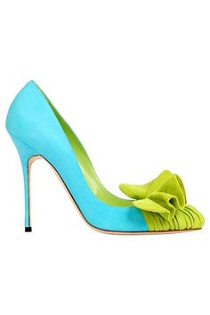 Manolo Blahnik/love color combo
