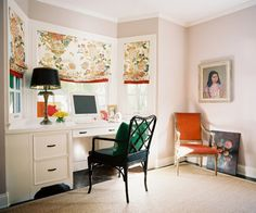rug edges the desk to work around bay window shape